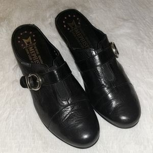 Mephisto Black Leather Buckle Heeled Clogs sz 8